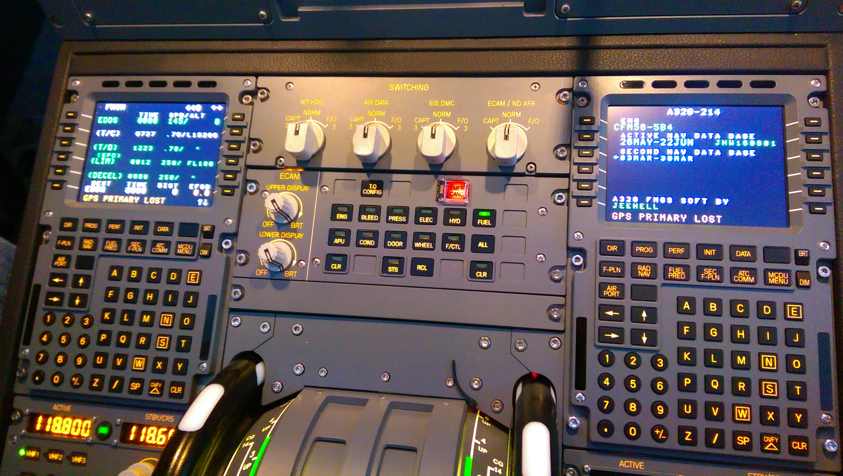 D-ALAM (A320 Homecockpit) – aviation pero-online de